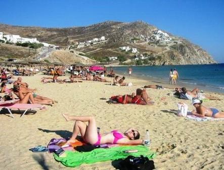 vacanta in Elia Beach